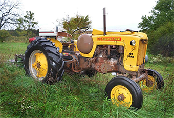 Tractor - Ash Grove Auction